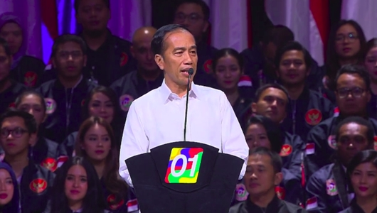 Jokowi Singgung soal Istri Pancing Ramai Riuh di Konvensi Rakyat