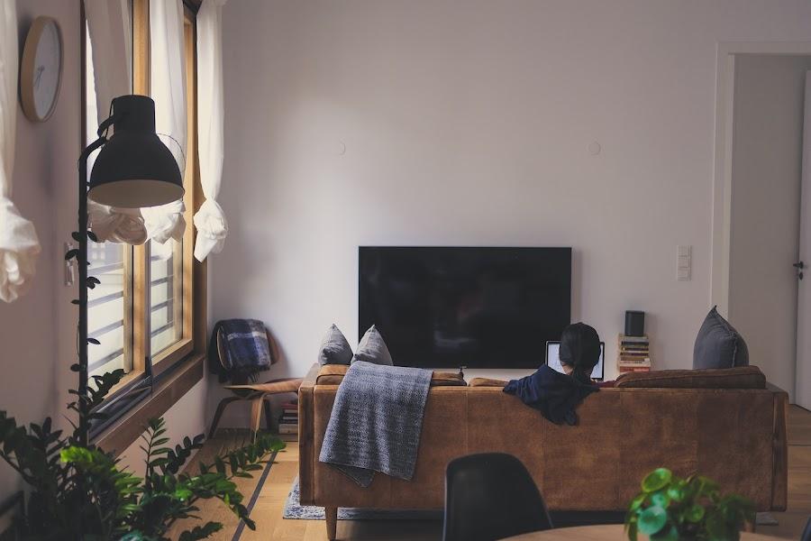 Cómo refrescar la casa sin usar el aire acondicionado y de manera sostenible. Salón