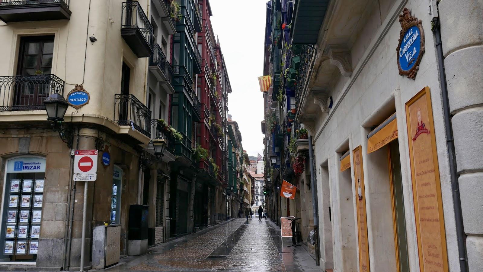 Calle Carniceria Vieja et Plaza Santiago Bilbao Pays Basque Espagne