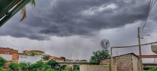 Choveu bem em Picuí nesta terça-feira (16). Veja vídeo