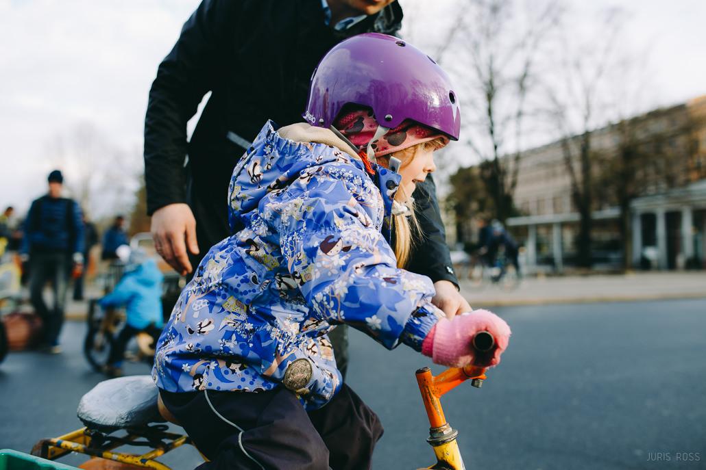 iemāčit braukt ar velosipēdu