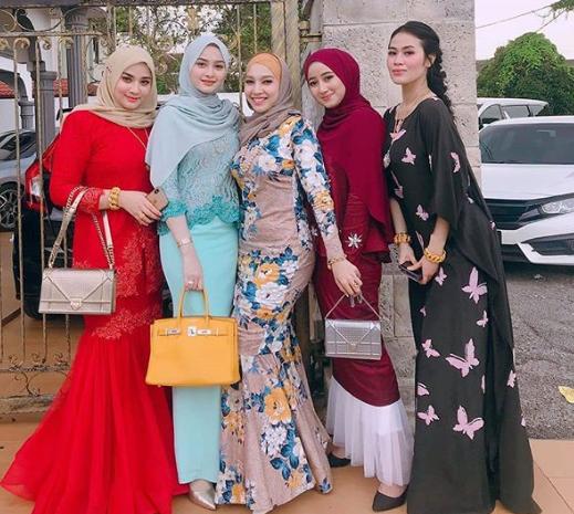 Model Baju Batik Wanita Terbaru 2020 31 Model Kebaya Modern 2019