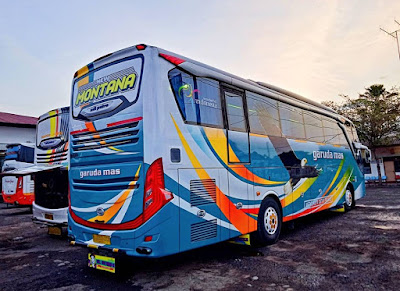 Foto Bus Garuda Mas Montana Belakang