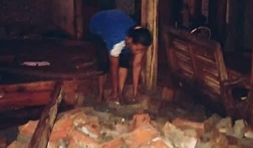 Dahsyatnya Angin Puting Beliung Menerjang Rumah Warga