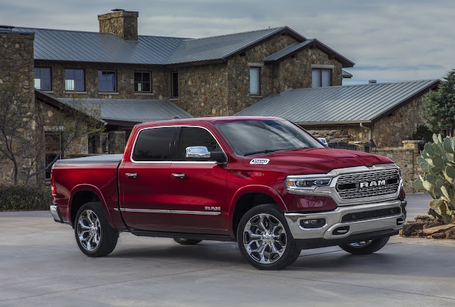Ram 1500 and All-new Jeep Gladiator Receive Top Honors During Hispanic Motor Press Awards at Los Angeles Auto Show