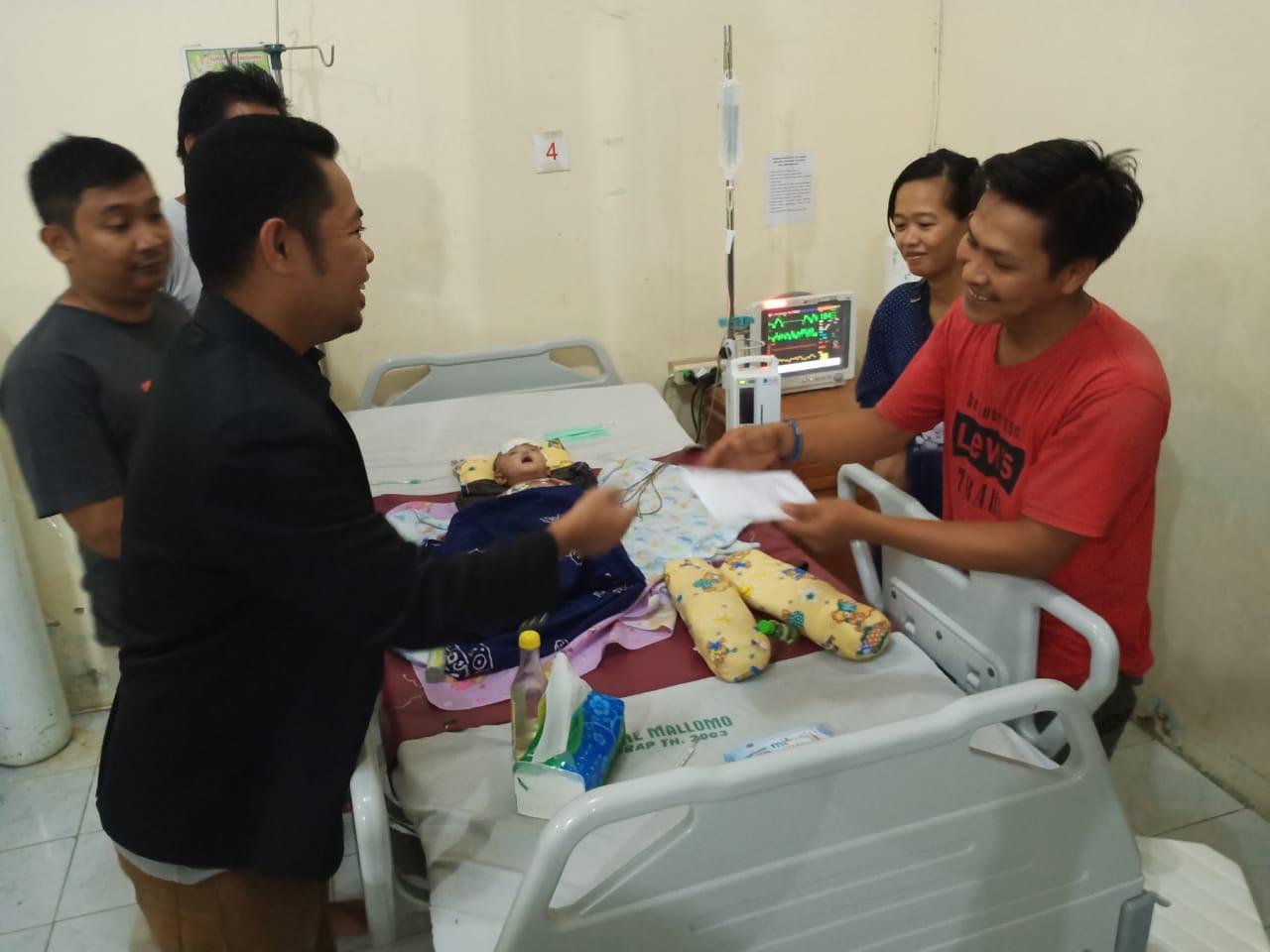 FAI Sidrap Peduli, Bantu Biaya Bayi Penderita Leukosit asal Wajo
