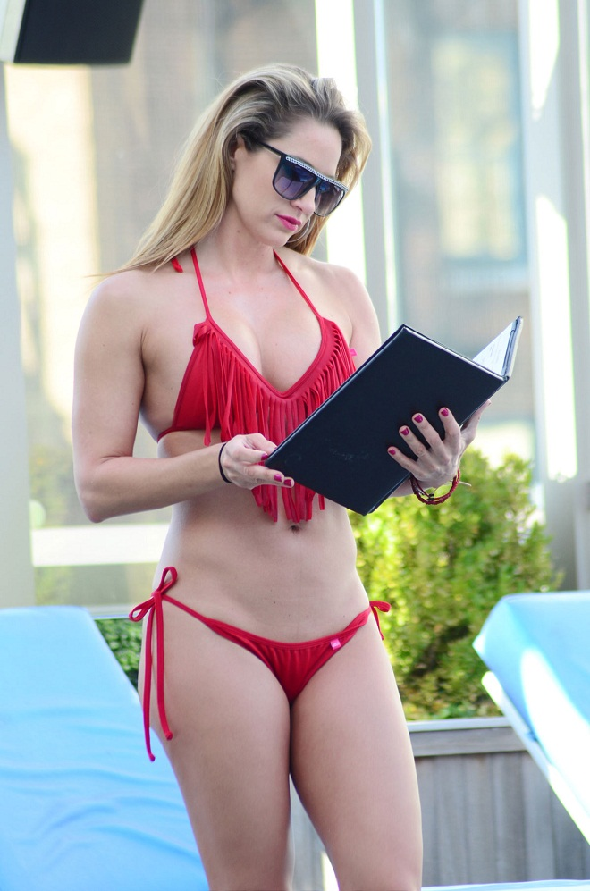 Jennifer Nicole Lee flaunts bikini body in a red bikini