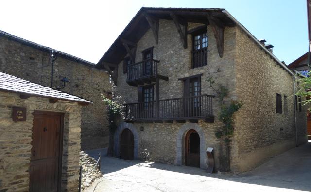 Cases de pedra d'Esterri