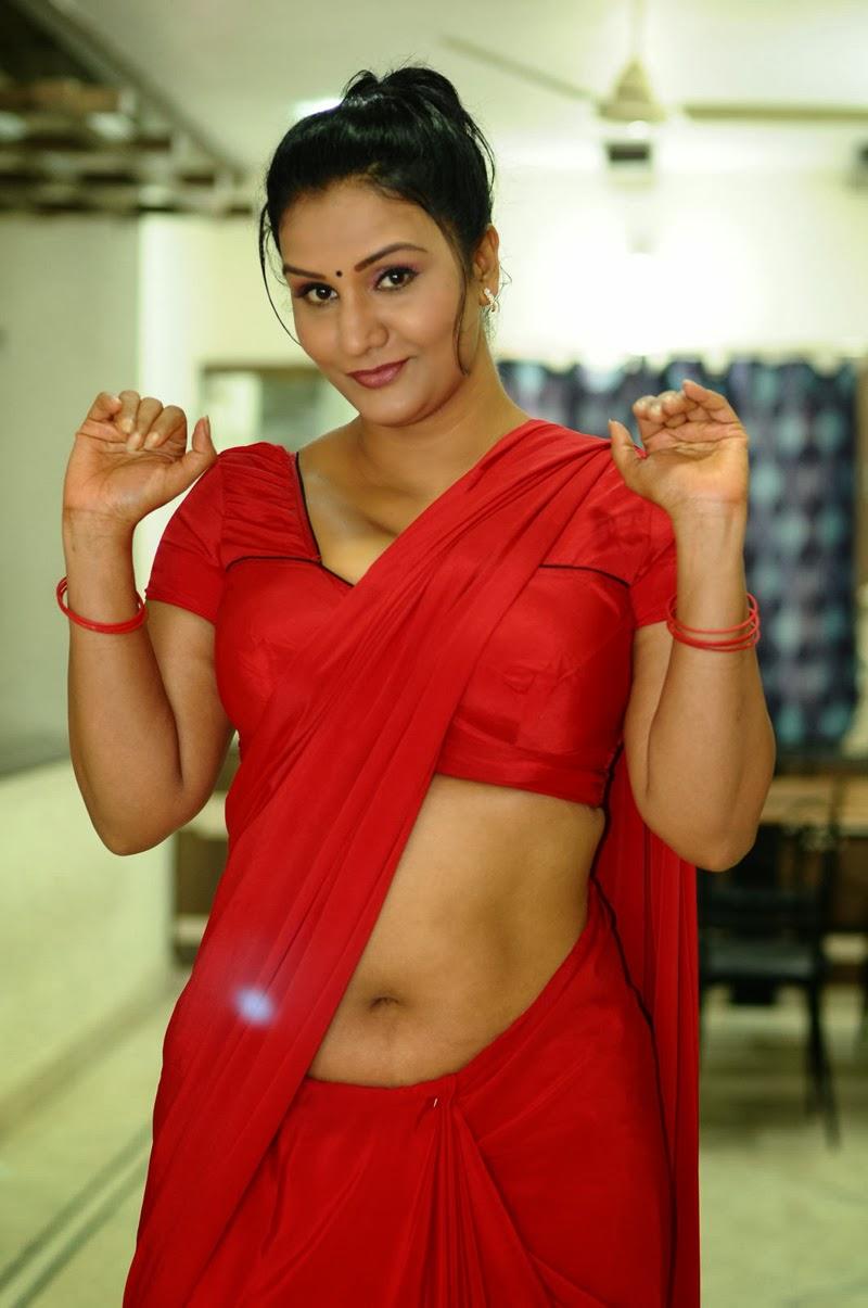 Indian Beautiful Actresses Apoorva Aunty Red Saree Hot-8209