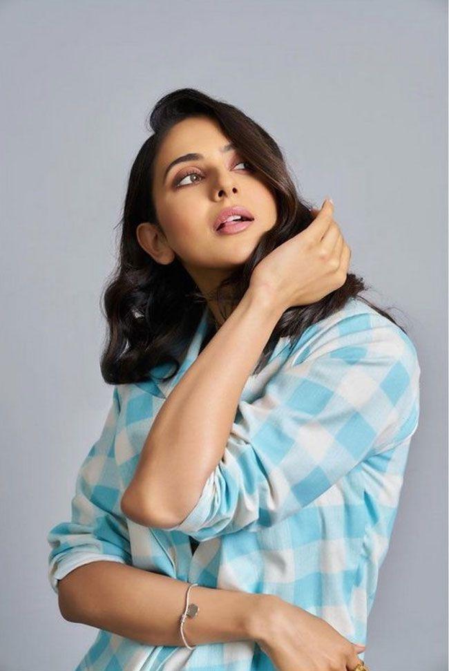 Actress Gallery: Rakul Preet Singh photoshoot pictures
