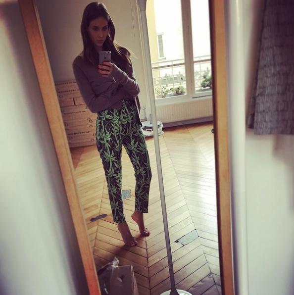 Ophélie Meunier sexy pieds nues