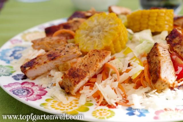 perfekter Caesar Salad mit Huhn und Parmesan - Foodblog Topfgartenwelt