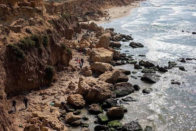 Πετρελαιοκηλίδα «μαύρισε» τις ακτές του Ισραήλ με πίσσα