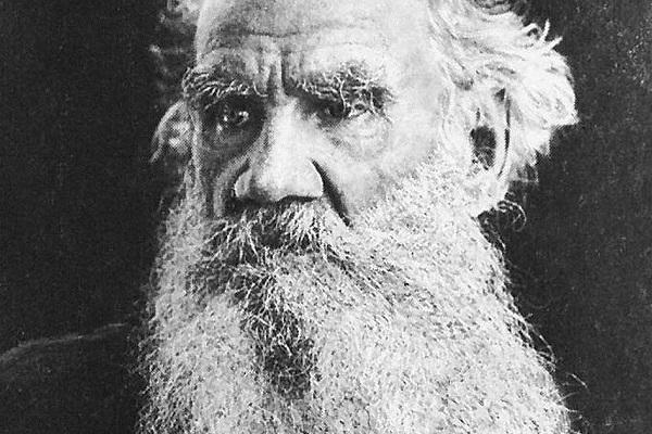 «Сила правительства держится на невежестве народа» — 25 самых ярких цитат Льва Толстого