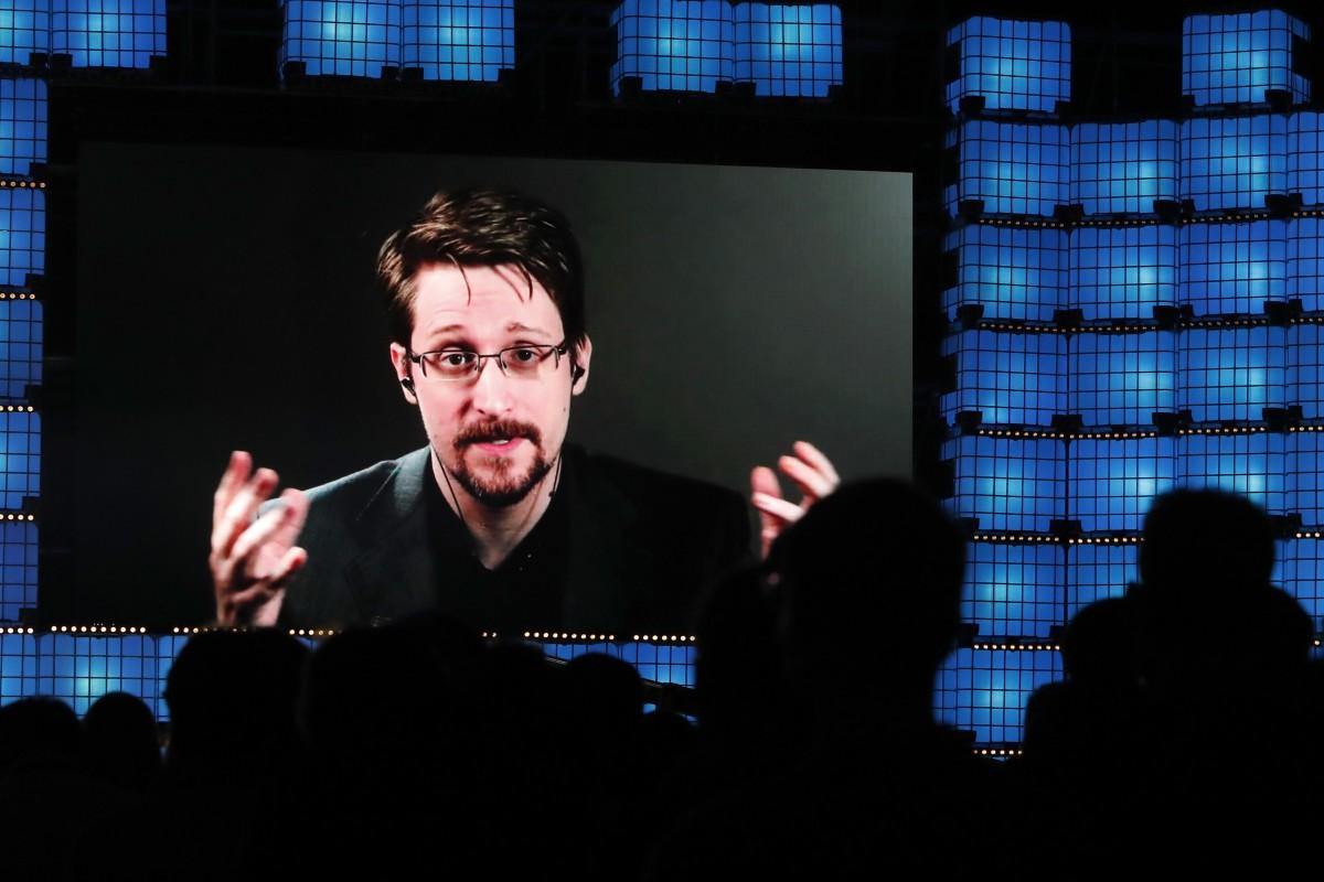 Edward Snowden diz que os governos estão usando o coronavírus para se elevar ao totalitarismo