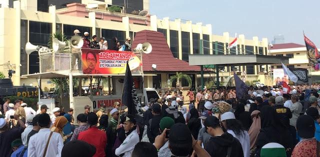 Massa Siap Mati Syahid Demi Penjarakan Ade Armando, Sukmawati, Dan Gus Muwafiq
