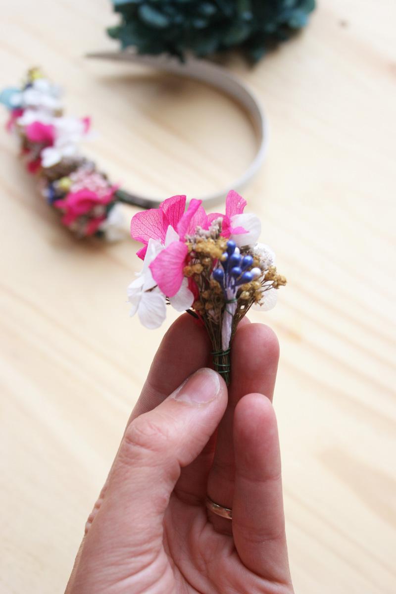 DEF Deco - Decorar en familia: Diy diadema de flores preservadas y secas5