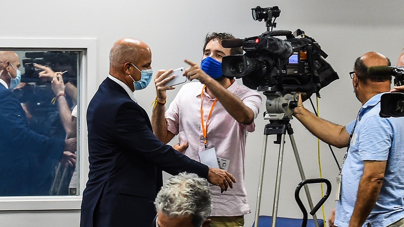 Un argentino increpó al gobernador de Florida