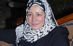 ما السبب الحقيقي وراء اعتزال الفنانة المصرية عبلة كامل _ موقع عناكب الاخباري