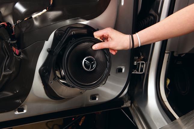 Ilustrasi speaker mobil yang mati