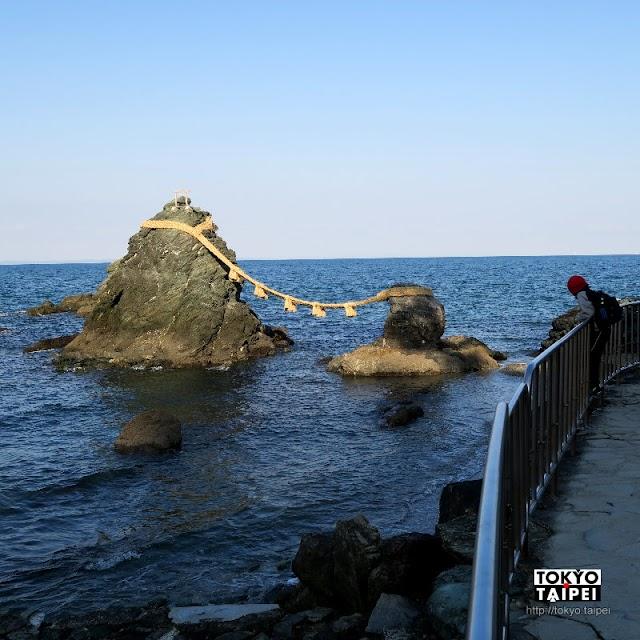 【二見浦】海上兩塊石頭用繩子綁起 形成日本最有名的夫婦岩