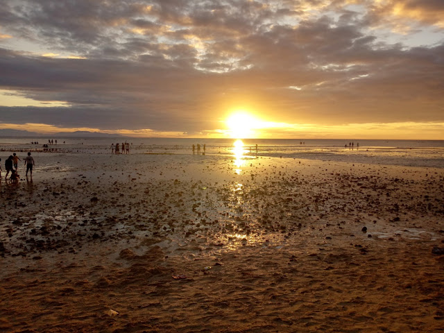 Sunset-Maravilla-Beach-Tabuelan-Cebu-Guide