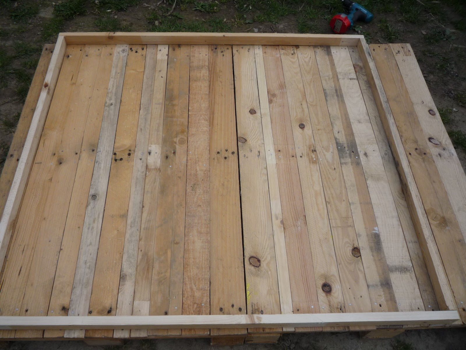Building A Pallet Wood Hen House Chicken Coop And