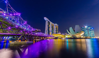 Singapore Travel Guide Book Marina Bay