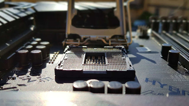 Socket LGA 1200 vẫn được giữ trên mainboard Z590