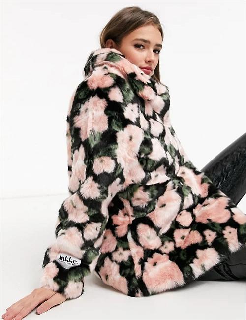 Jakke Tilly faux fur coat in retro floral