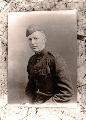 Poets Net Dulce Et Decorum Est Wilfred Owen 1893 1918