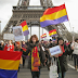 Nuestra avenida en París, la bandera tricolor.