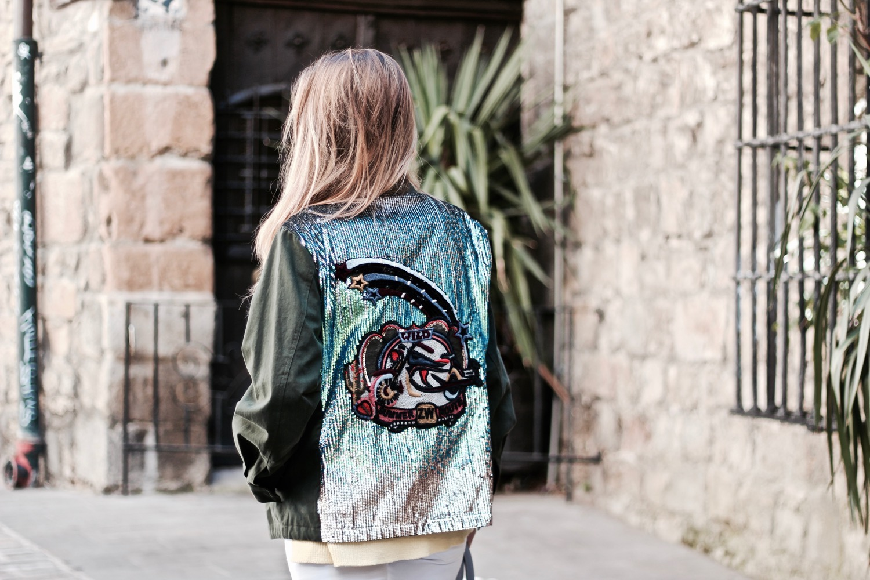 chaqueta con espalda customizada