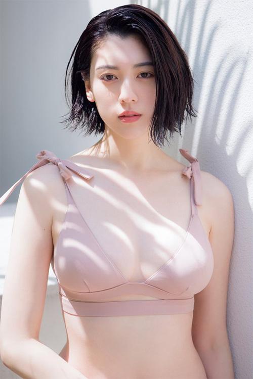 Ayaka Miyoshi 三吉彩花, Weekly Playboy 2018 No.18 (週刊プレイボーイ 2018年18号)