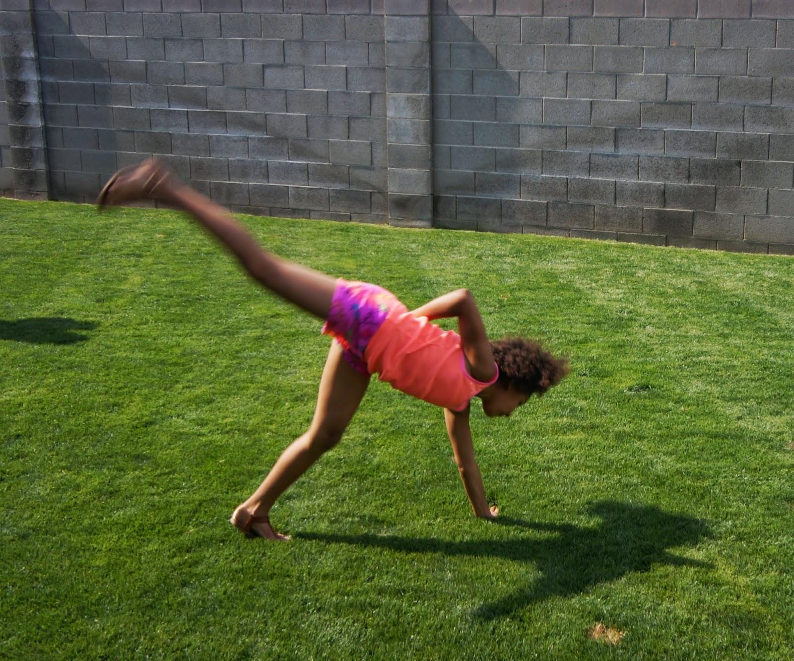 photos A6000: backyard gymnastics