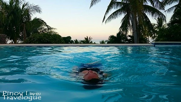 Bano Beach Resort's infinity pool overlooking sea horizon