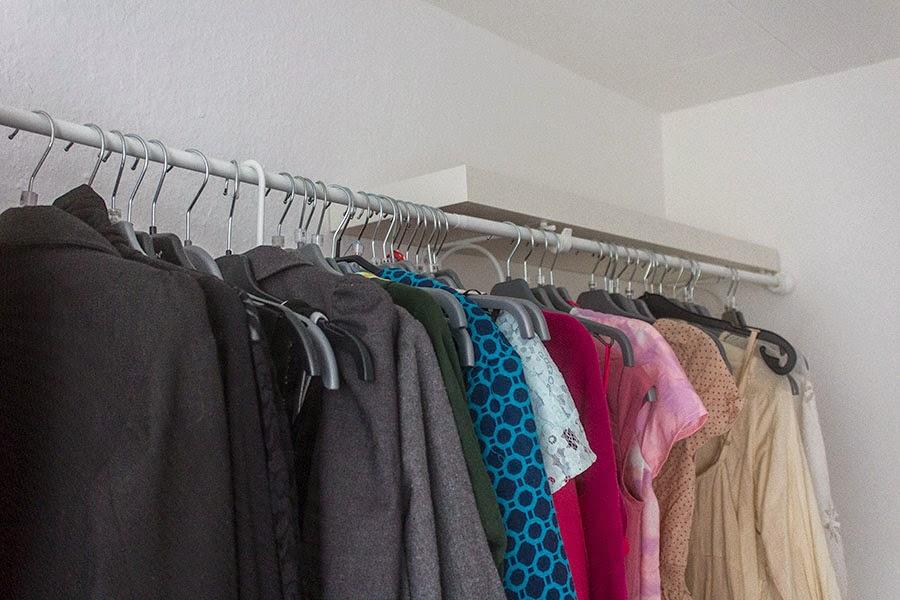 Any-length clothes rack - IKEA Hackers