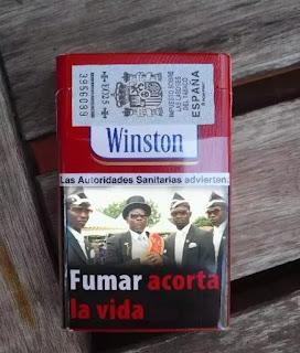 Paquete de tabaco wiston con foto de los enterradores africanos