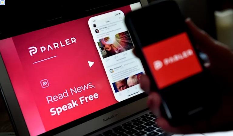 تحظر جوجل وابل و امازون  تطبيق Parler