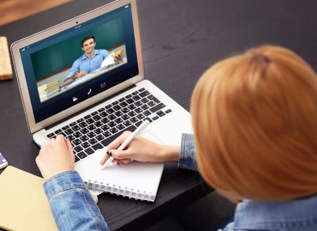 كيفية كسب المال التدريس عبر الإنترنت