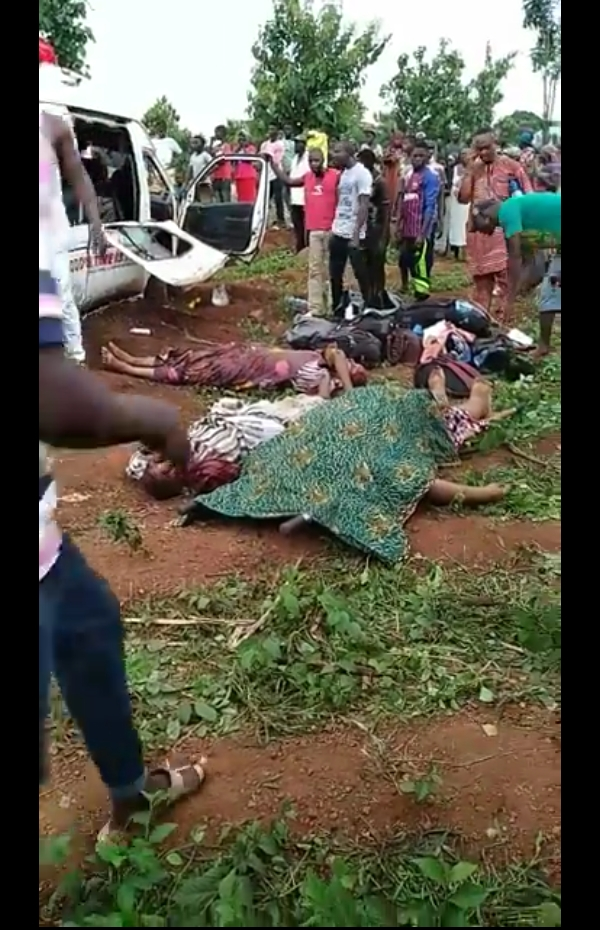 Dangote Truck And Bus Collide In Plateau,Many Dead!(Photos)