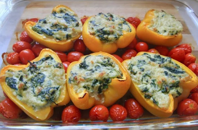 Spinach Ricotta Stuffed Peppers #vegetarian #dinner