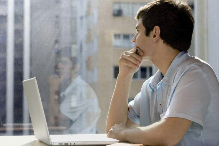 10 Señales pequeñas que podrían indicarte que estás viviendo bajo mucho estrés