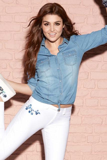 Actress Hande Ercel Hot Photo Gallery