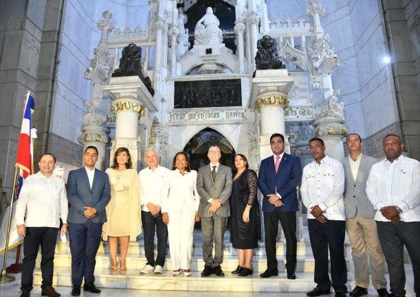 Ayuntamientos de Santo Domingo promueven aumento de  presupuesto para la provincia más grande del país