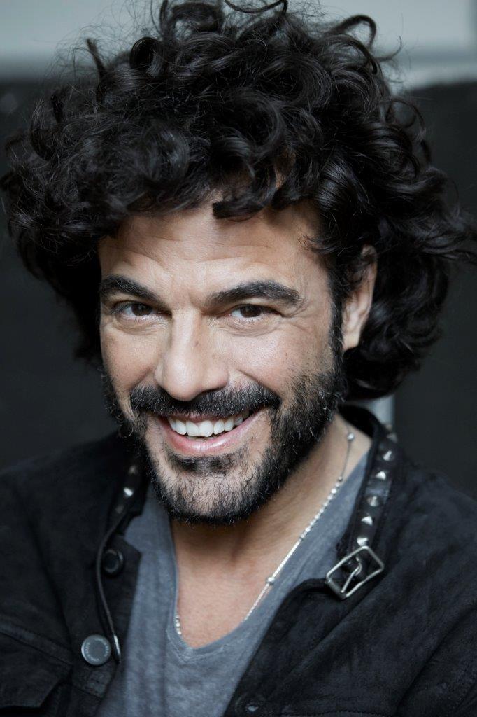 """Francesco Renga: il video di """"Prima o poi"""" e tutti i suoi concerti"""