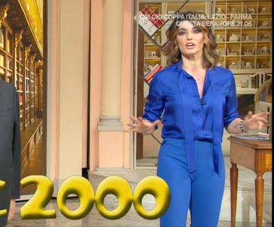 Samanta Togni pantaloni blu attillati camel toe