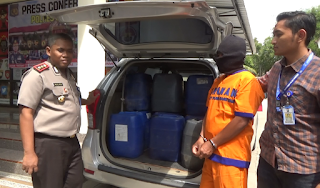 Ratusan Liter Miras Berhasil Di Tangkap Petugas Saat Hendak Di Bawa Ke Maospati