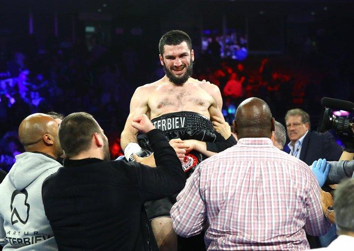 Artur Beterbiev  Celebrates  Oleksandr Gvozdyk win