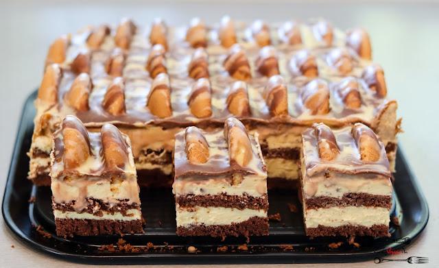 ciasta i desery, ciasto na święta, ciasto na biszkopcie, góra lodowa, ciasto na wielkanoc, krem z mlekiem w proszku, krem budyniowy,